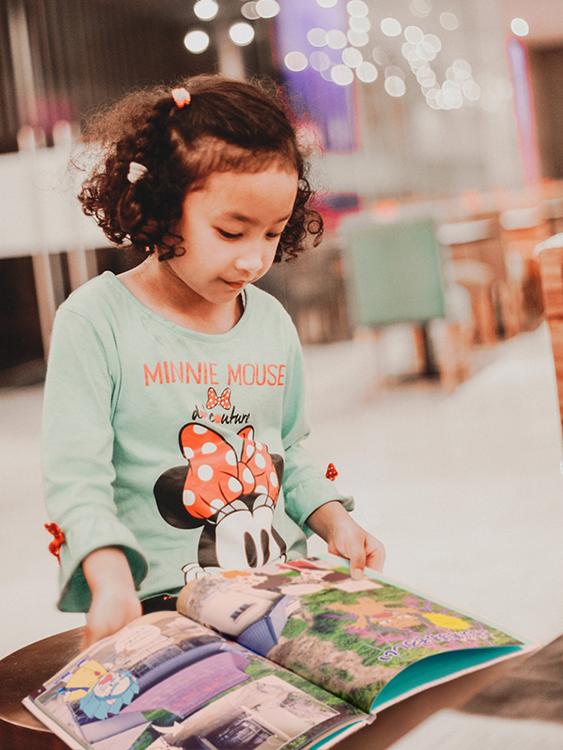 絵本で学ぶ子供